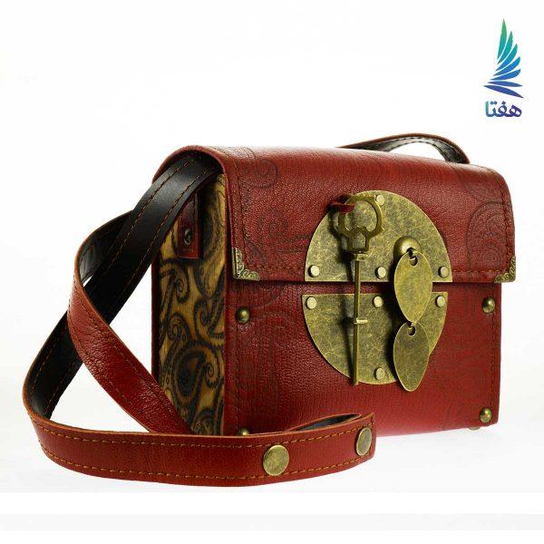 کیف صندوقی طرح دار قرمز