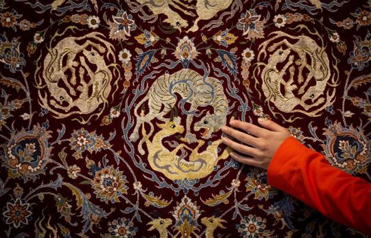 گردشهای اسلیمی و ختایی در فرش